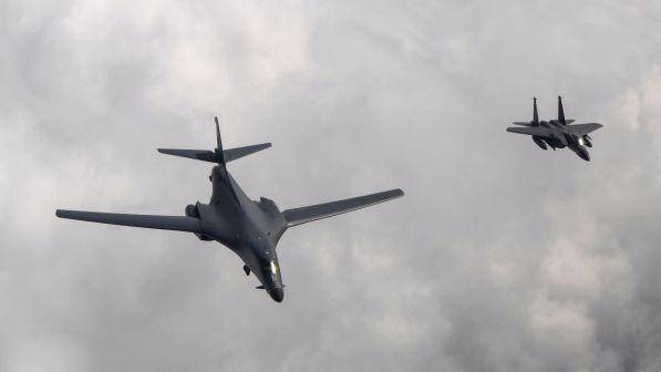 Corea Nord: Trump invia bombardieri in volo al confine