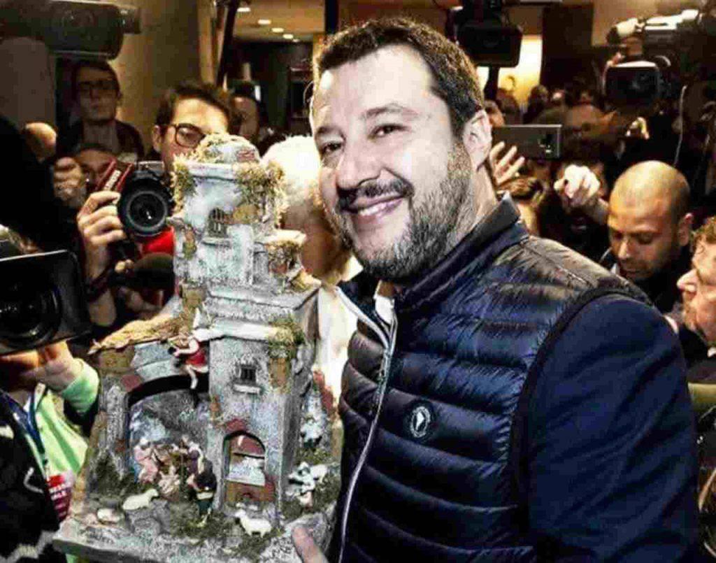 Matteo Salvini presepe tradizione