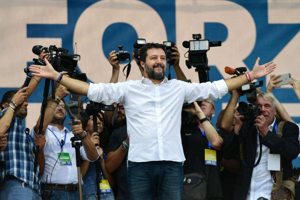Matteo Salvini presepe preside