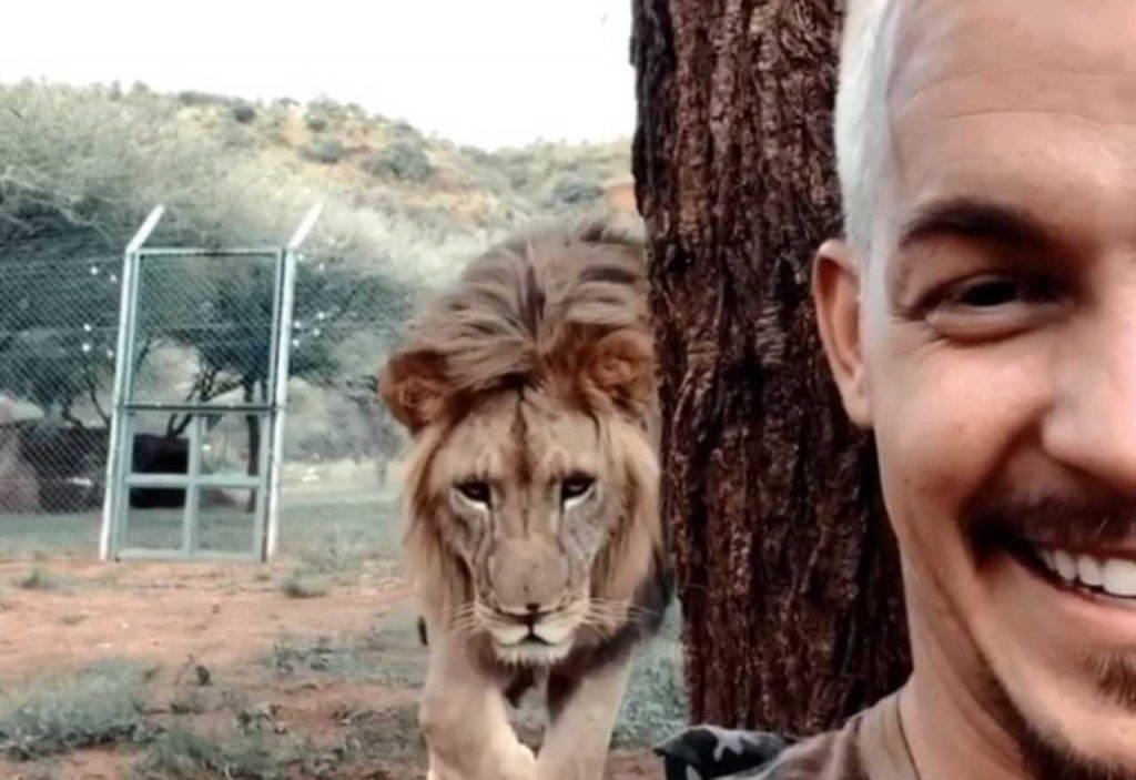 video-selfie leone