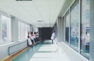 Salerno aggressione ospedale