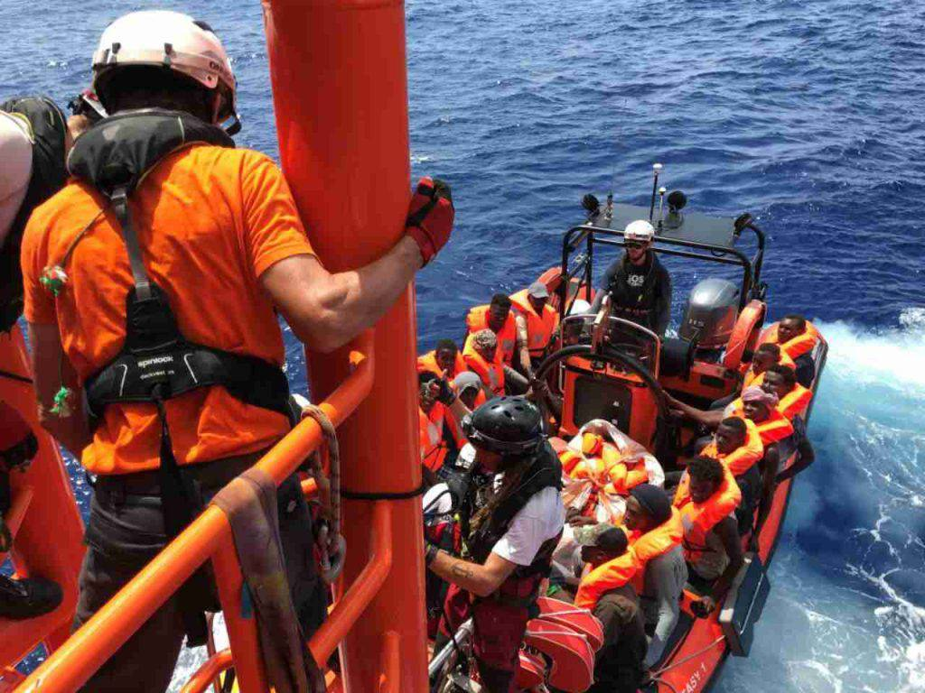 migranti naufragio mediterraneo