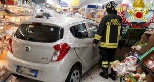Varese auto supermercato