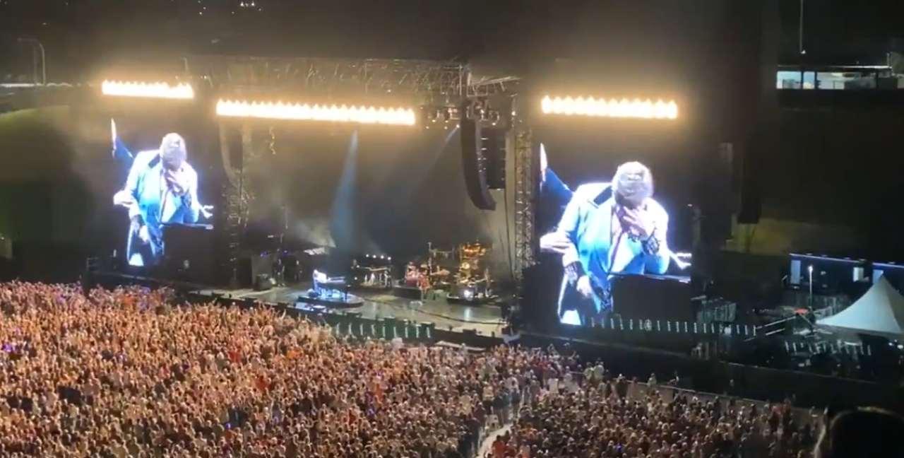Elton John interrompe concerto a Auckland: 'Ho la polmonite' - Cultura & Spettacoli