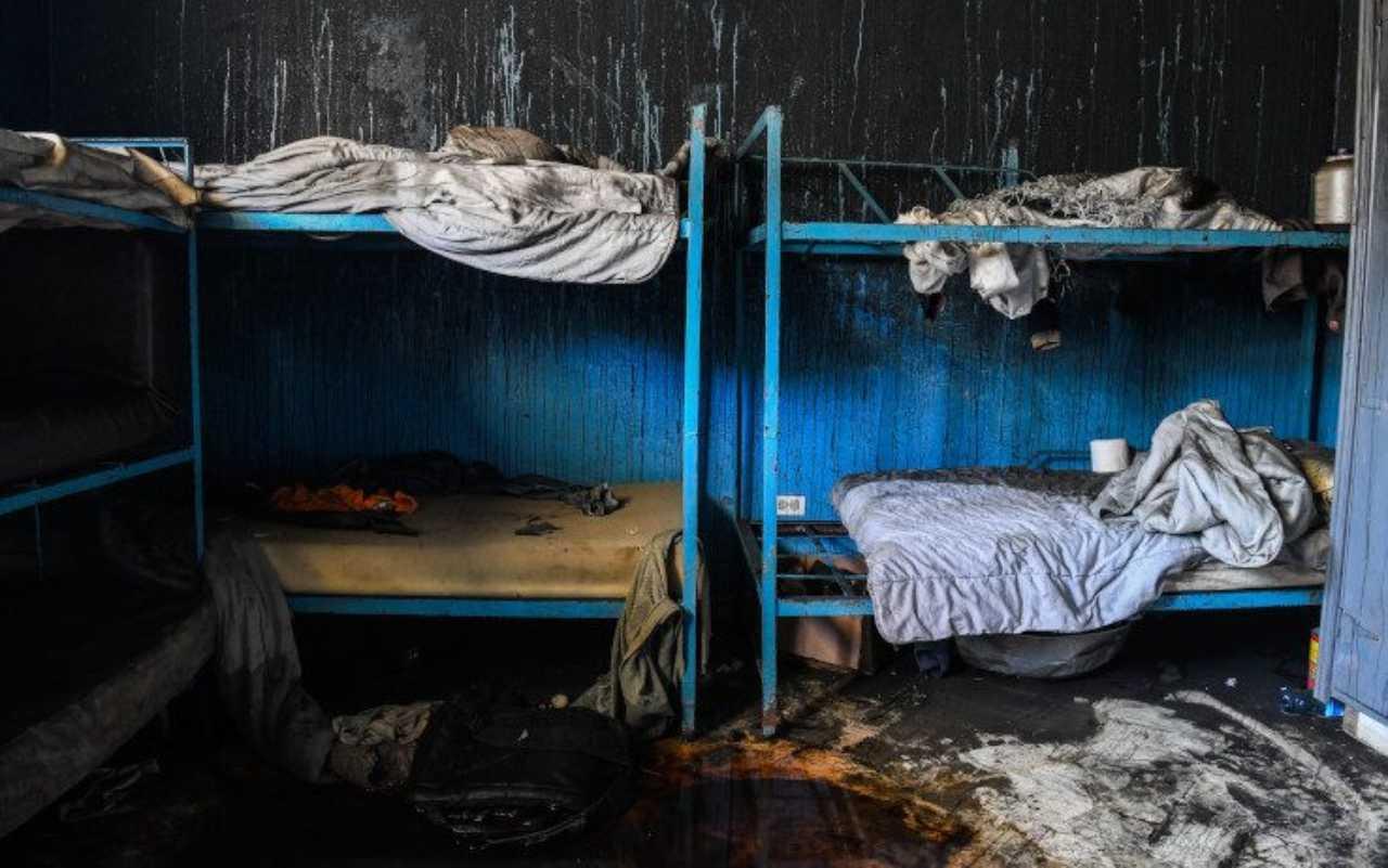 Scoppia l'incendio in un orfanotrofio, è strage: muoiono 15 bambini