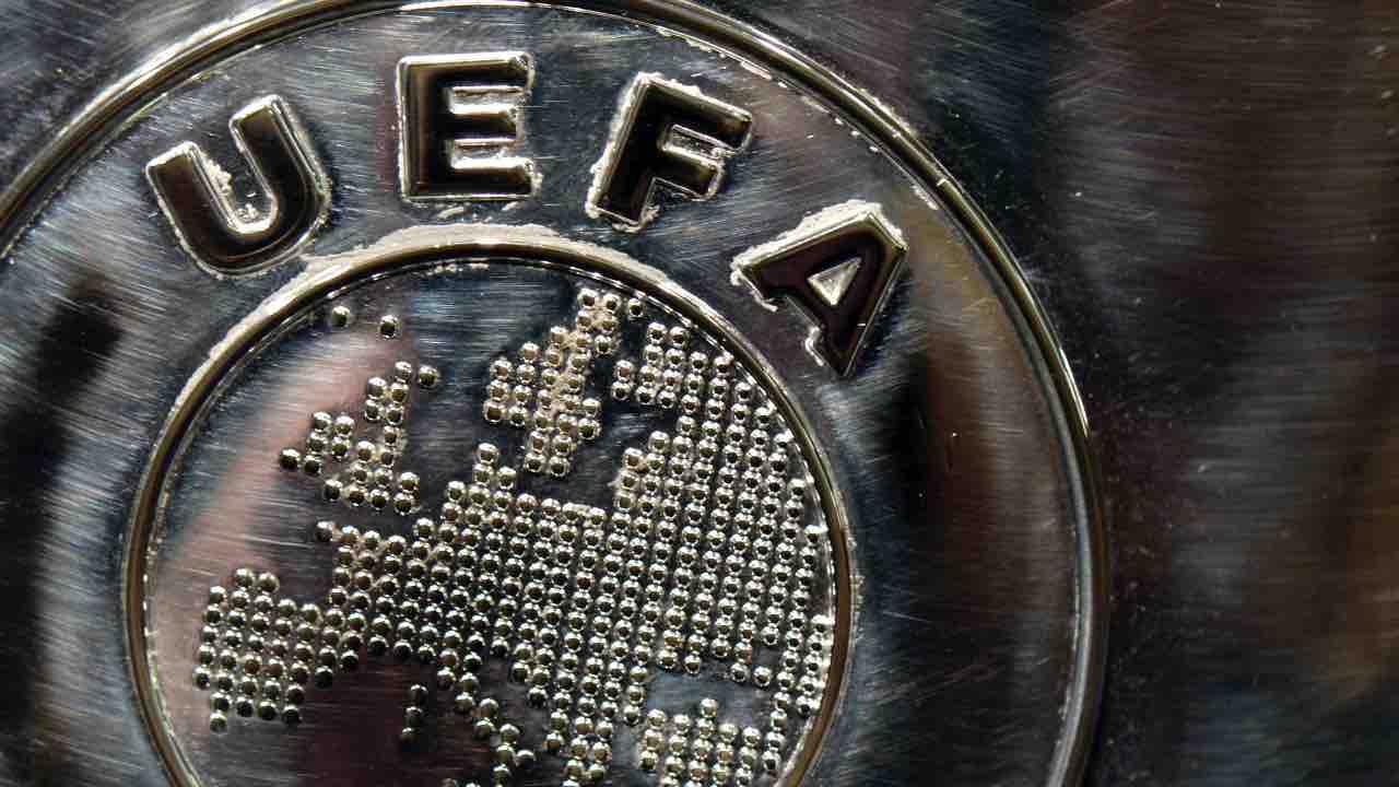 sospensione uefa champions europa league