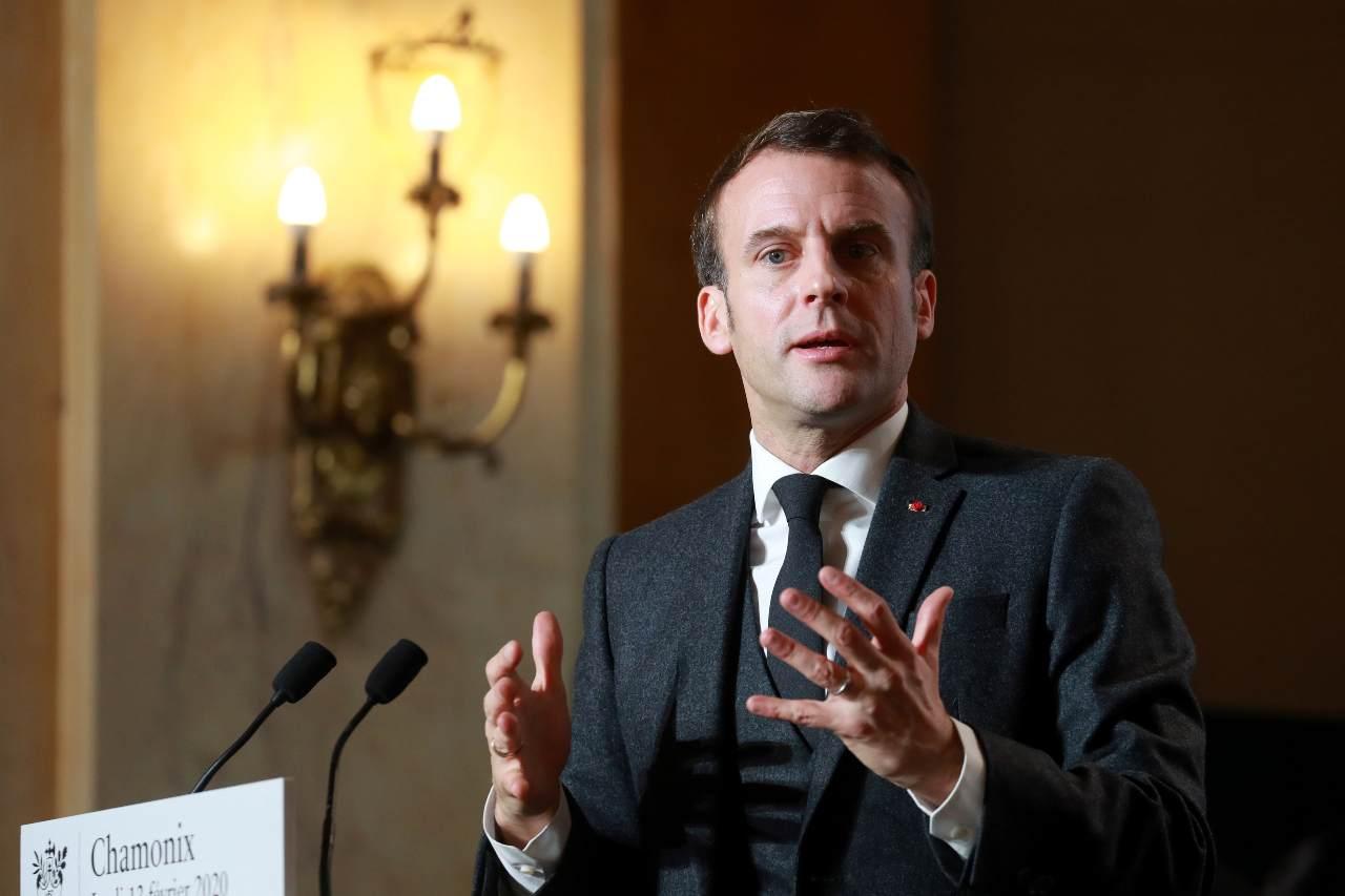 Coronavirus, Macron: