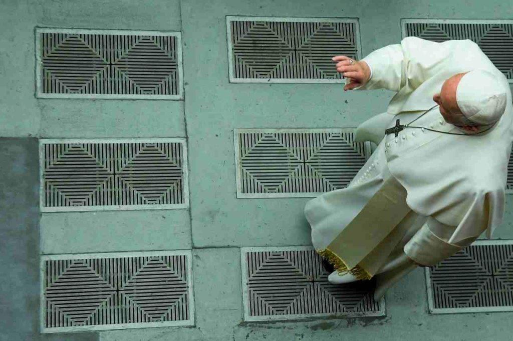 Vaticano, prelato residente a Santa Marta positivo al coronavirus