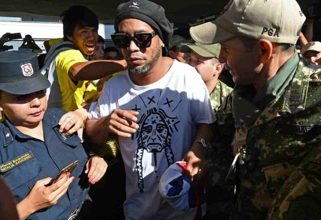 Ronaldinho di nuovo arrestato