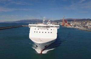 bloccata nave Napoli