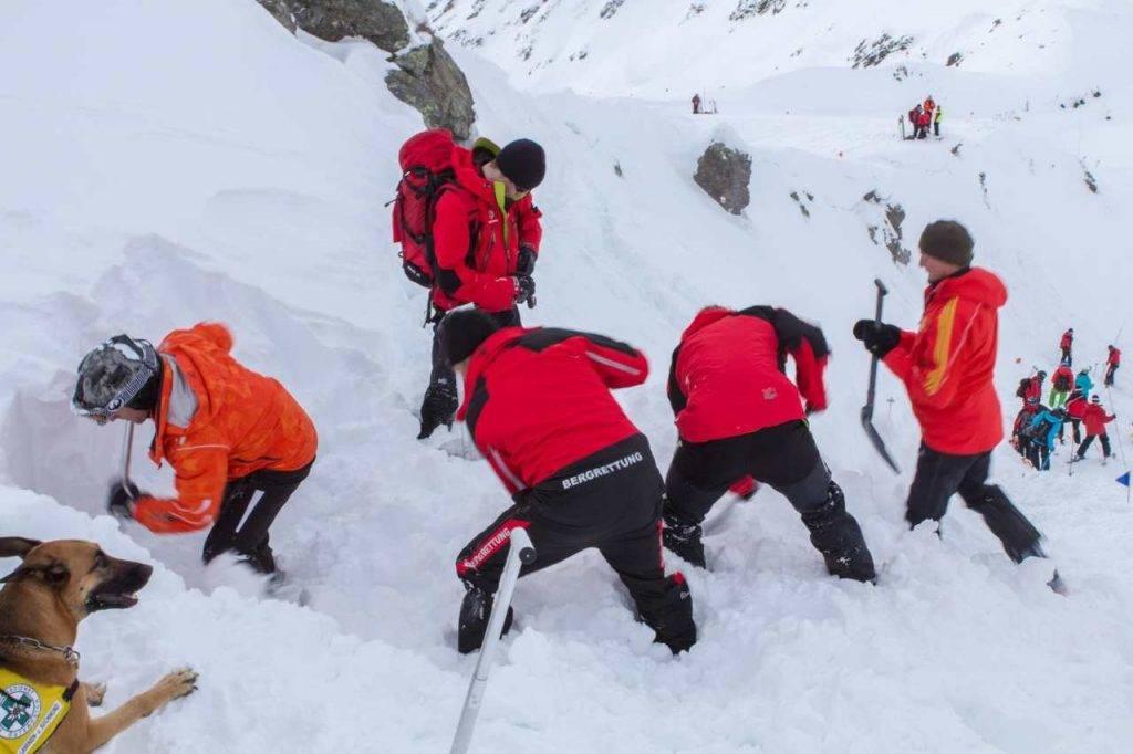 courmayeur morto snowboard