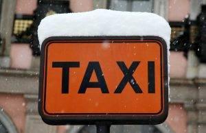 Morto tassista Milano