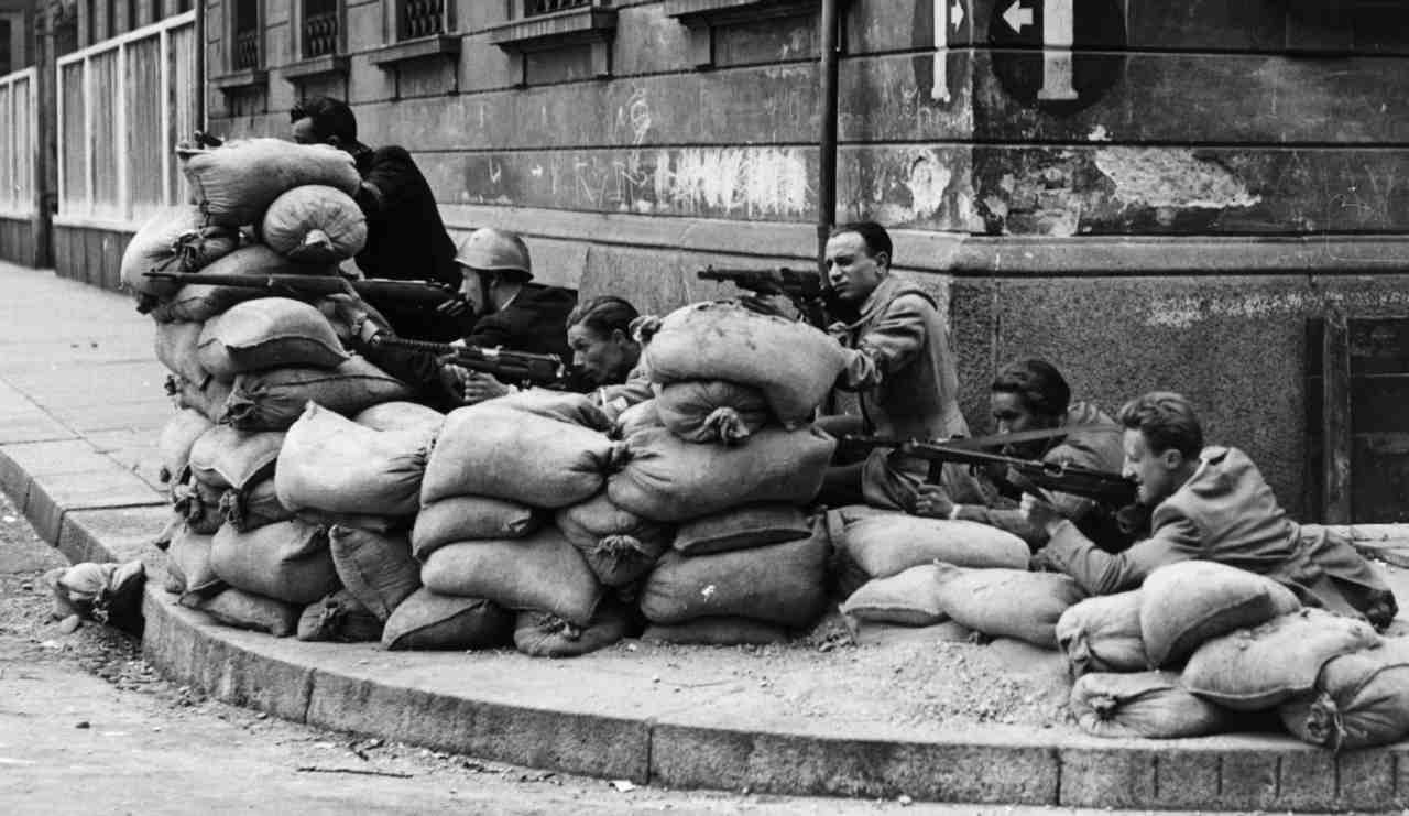 partigiani italiani 25 aprile