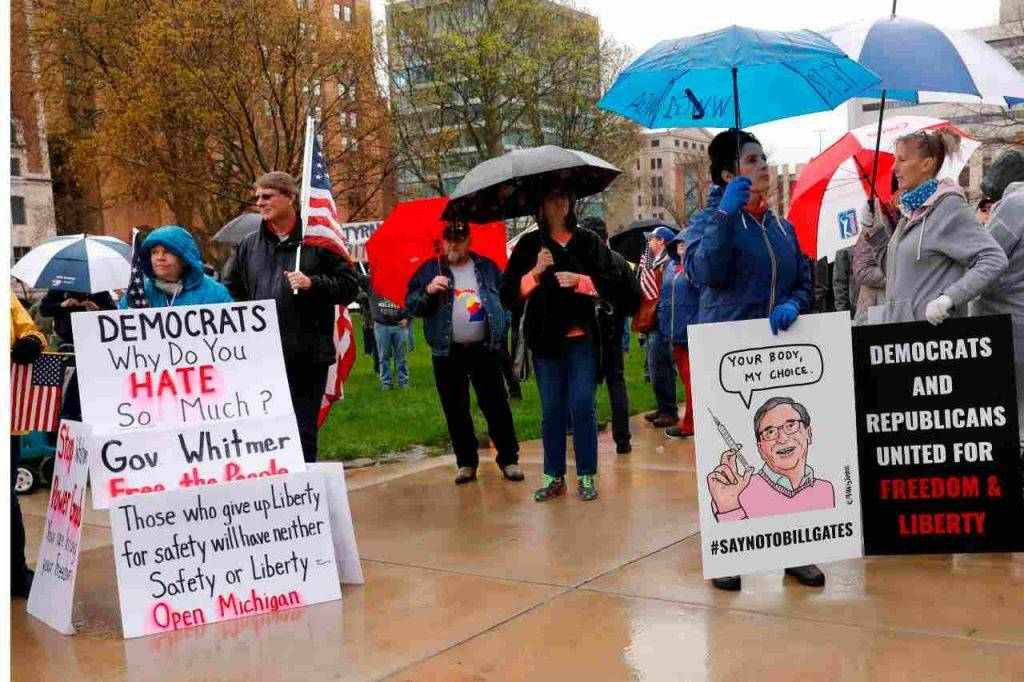 Manifestanti Michigan