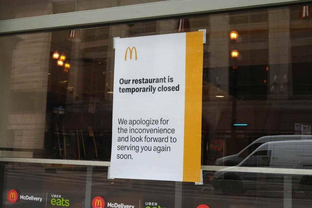 Clienti sparano nel McDonald's