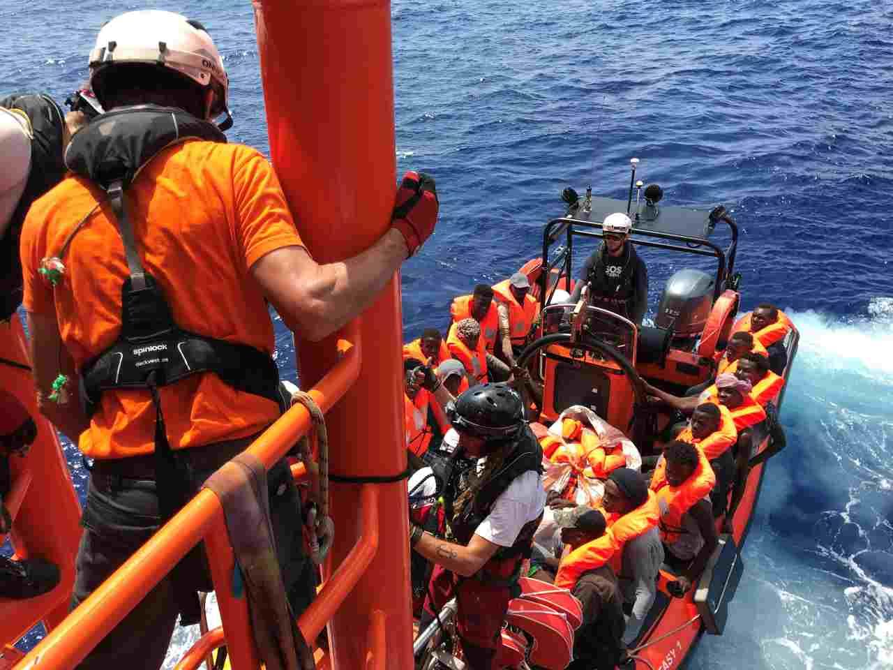 6 morti a largo della Libia