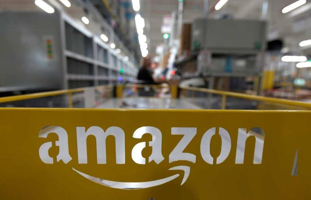 Florida, sparatoria nella sede di Amazon: un morto e due ...