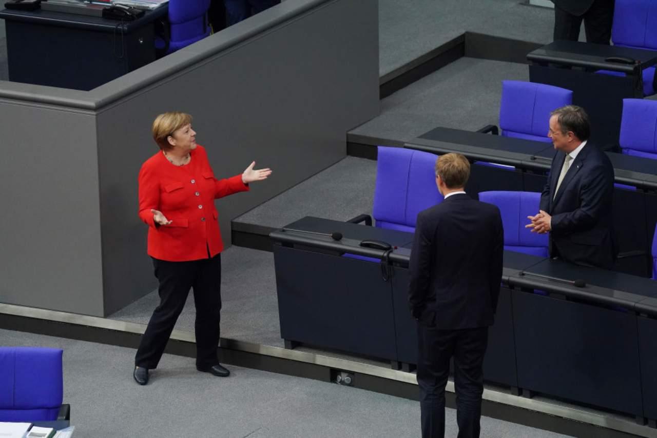 Armin Laschet a colloquio con Angela Merkel