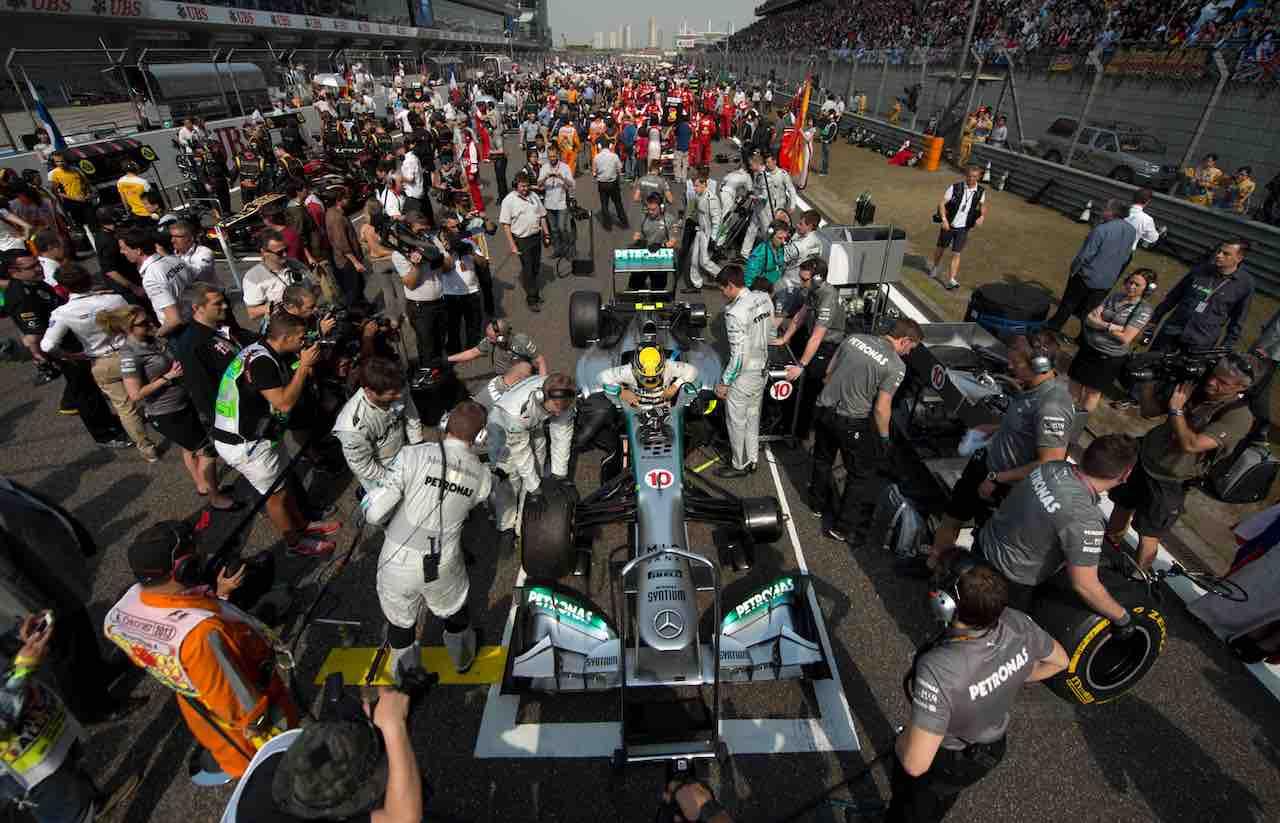Formula 1, annullati i GP di Singapore, Azerbaigian e Giappone