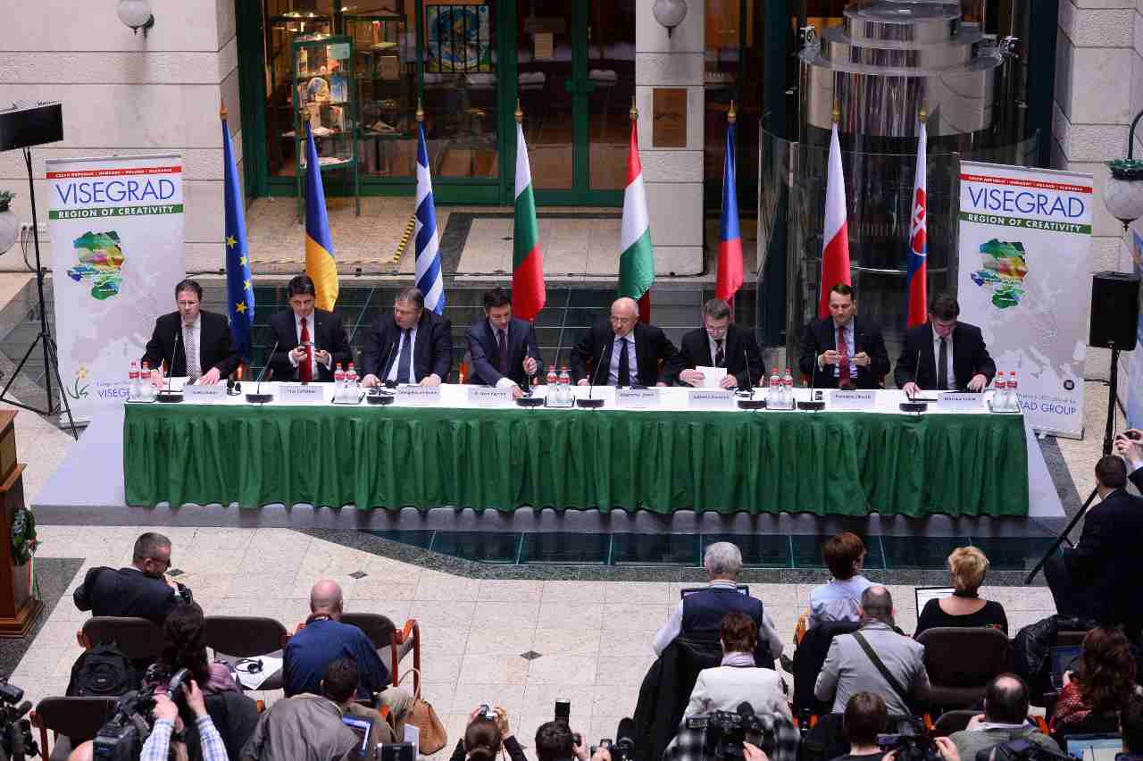 Gabor Kaleta tra i diplomatici