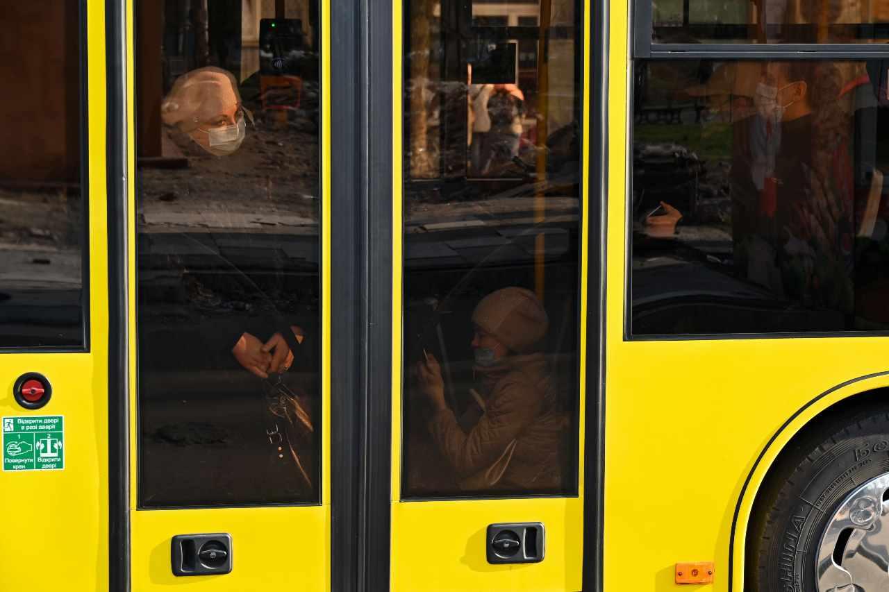 Ucraina, uomo armato prende in ostaggio 20 persone