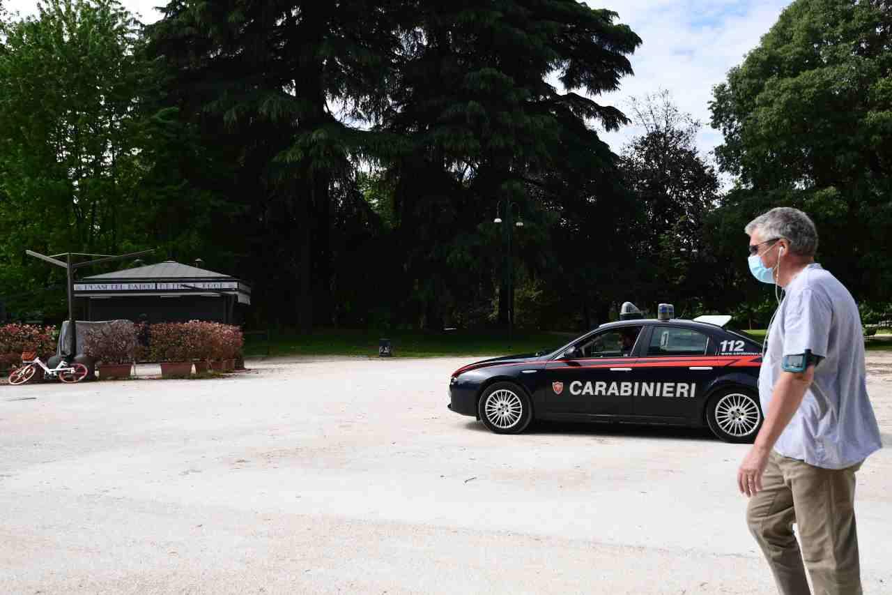 Lite carabiniere Napoli