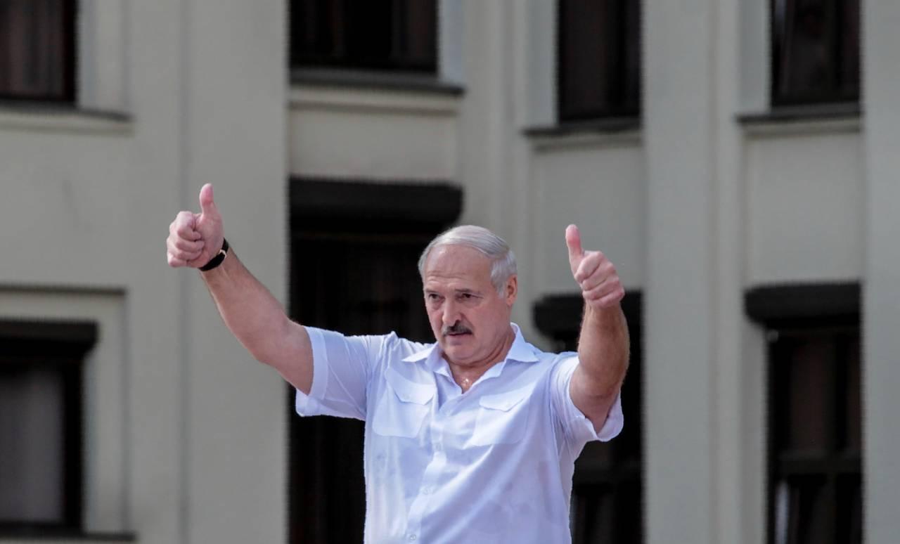 Bielorussia: ancora proteste contro Lukashenko, che mette l'esercito in stato di allerta