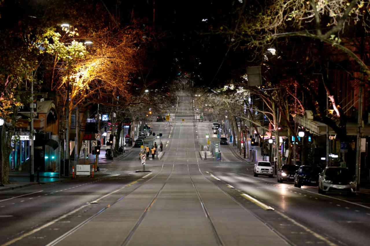 Lockdown e coprifuoco Melbourne chiude di nuovo