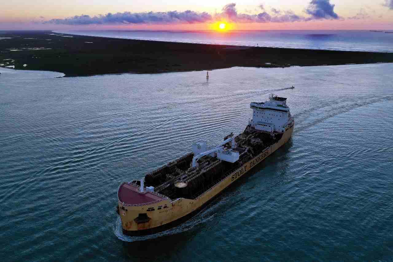 Petroliera incagliata alle Mauritius
