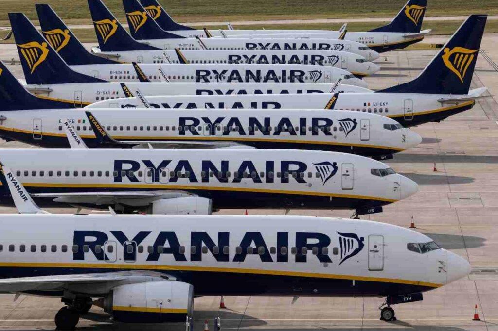 Ryanair voli a rischio: viola le norme anti-covid. La denuncia dell'ENAC