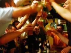Positivi al covid19 a una festa a Macerata