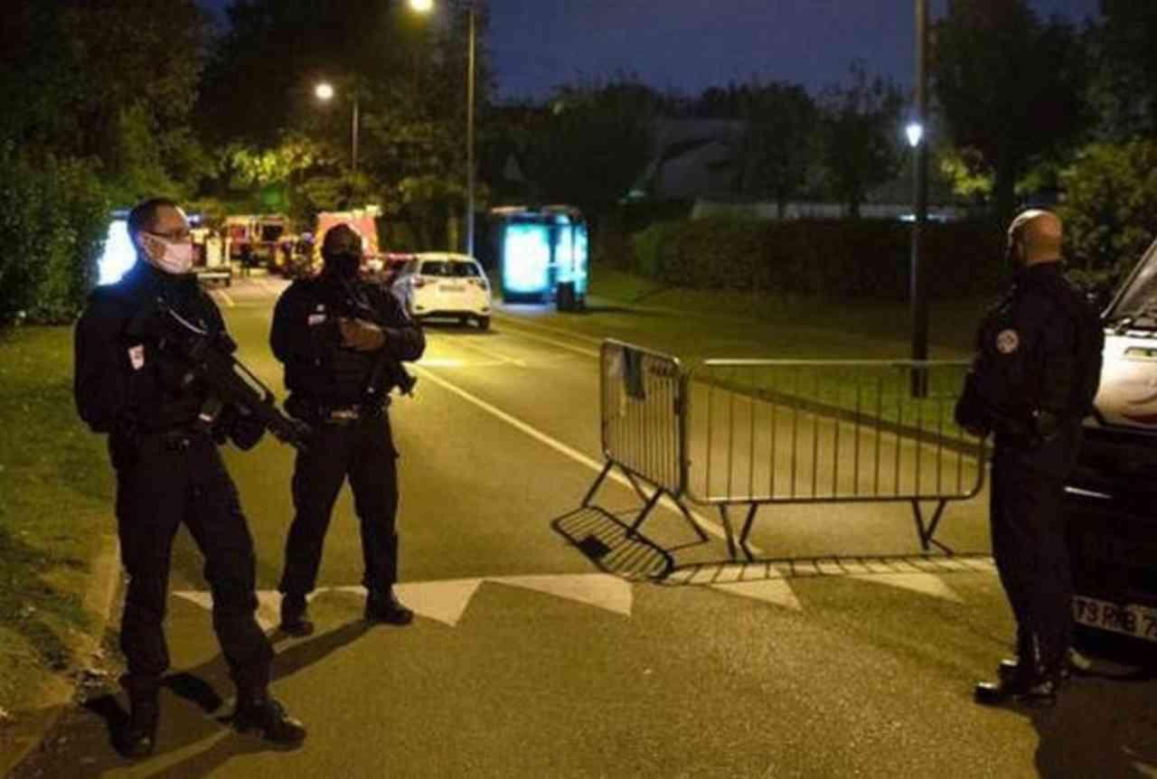 Professore ucciso in Francia