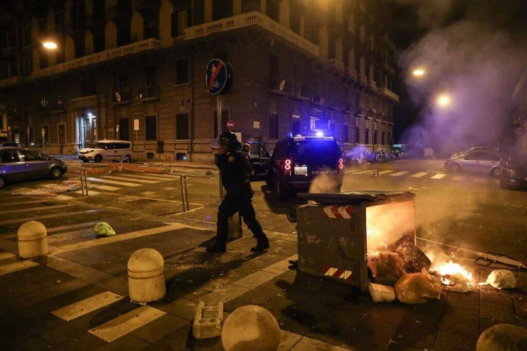 Proteste lockdown Napoli