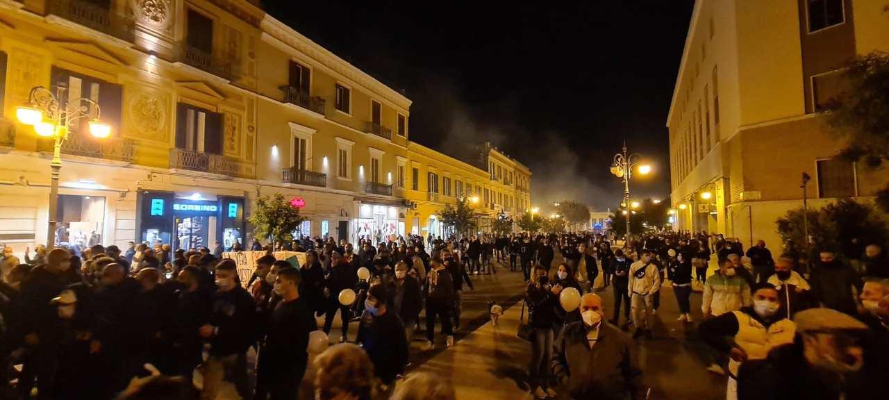 Foggia Manifestazioni In Strada Contro Il Nuovo Dpcm