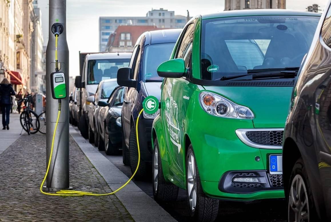 Para parar os carros a gasolina e diesel em 2030