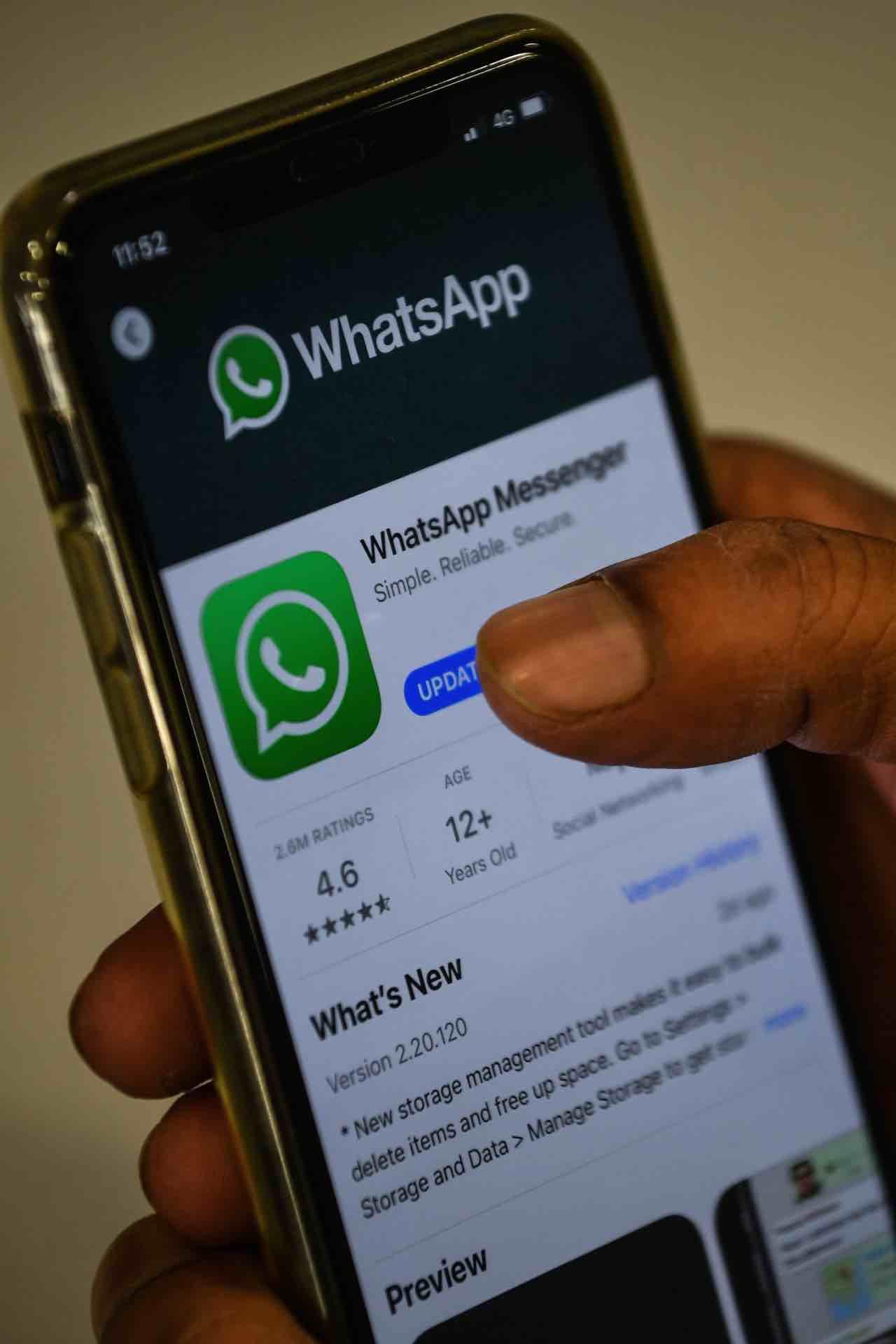 Whatsapp, truffa dell'immagine del profilo