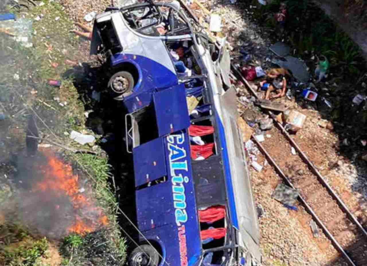 brasile bus viadotto
