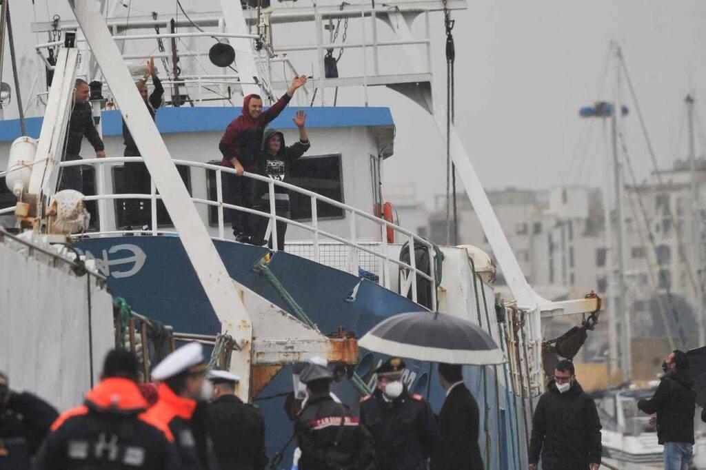 Rientro pescatori italiani