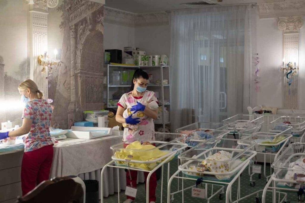 Neonata morta denutrita