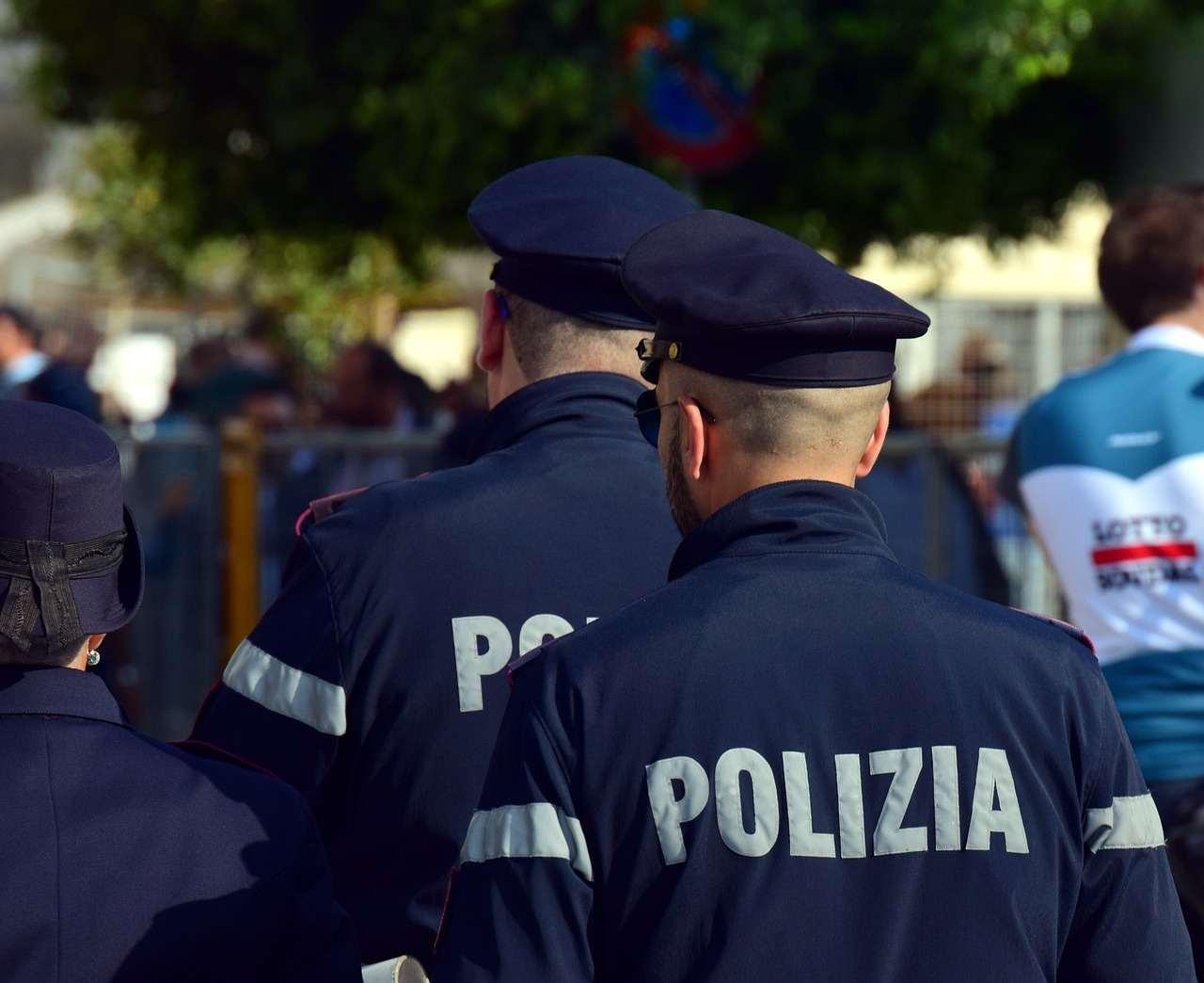 Rimini, stupro di gruppo in spiaggia
