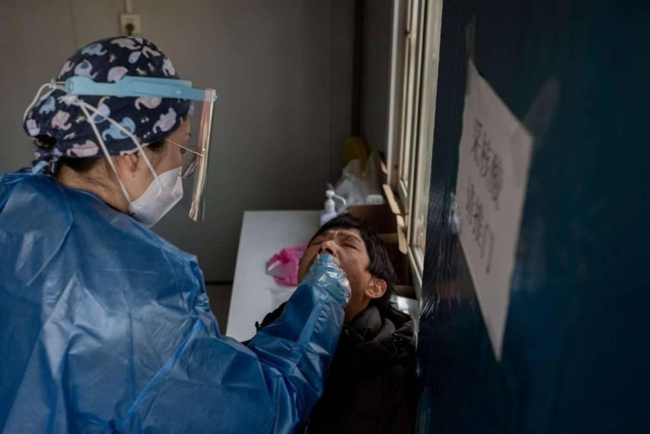 2 ricercatori dell'OMS respinti all'ingresso in Cina poiché positivi