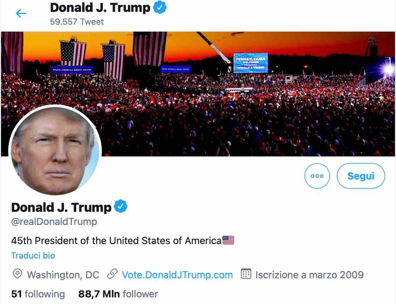 Donald Trump, bloccati Facebook e Twitter