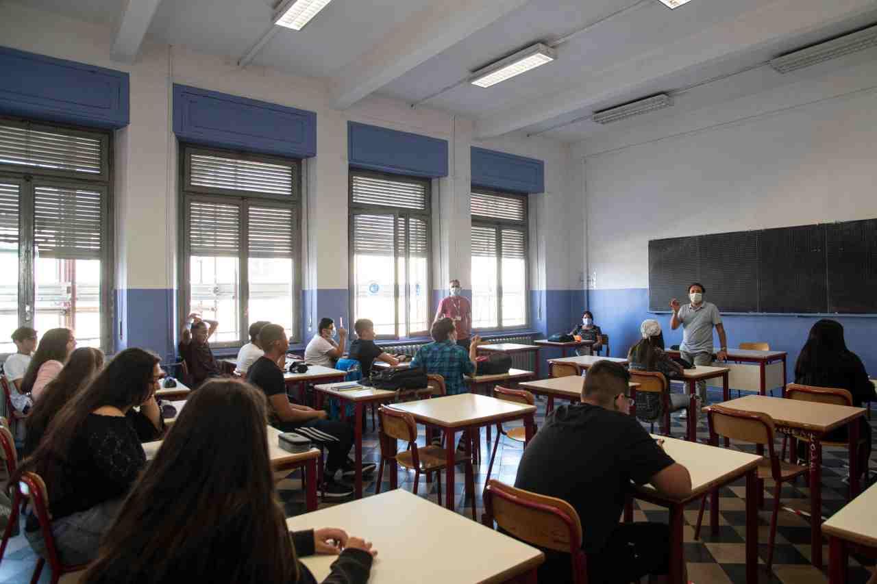 Scuola, Governo accoglie le perplessità delle Regioni