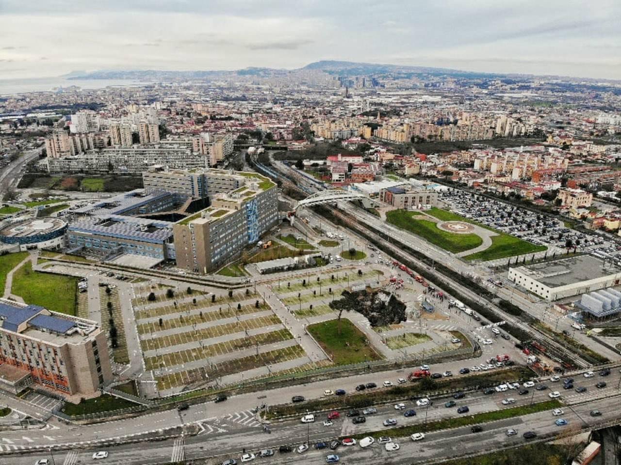 Napoli, voragine all'ospedale del Mare