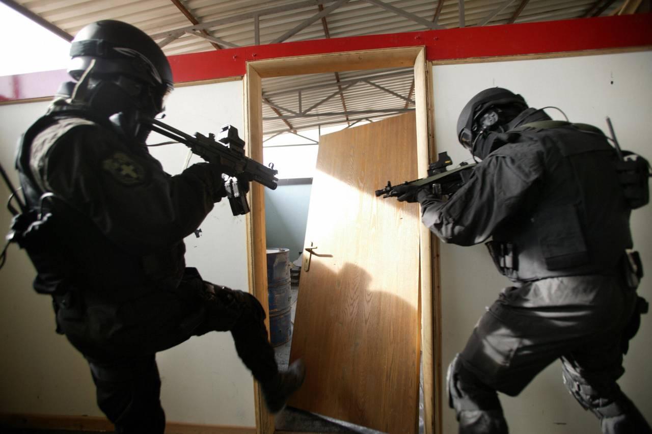 terrorismo, polizia