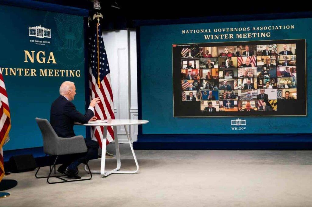 Camera approva aiuti Biden