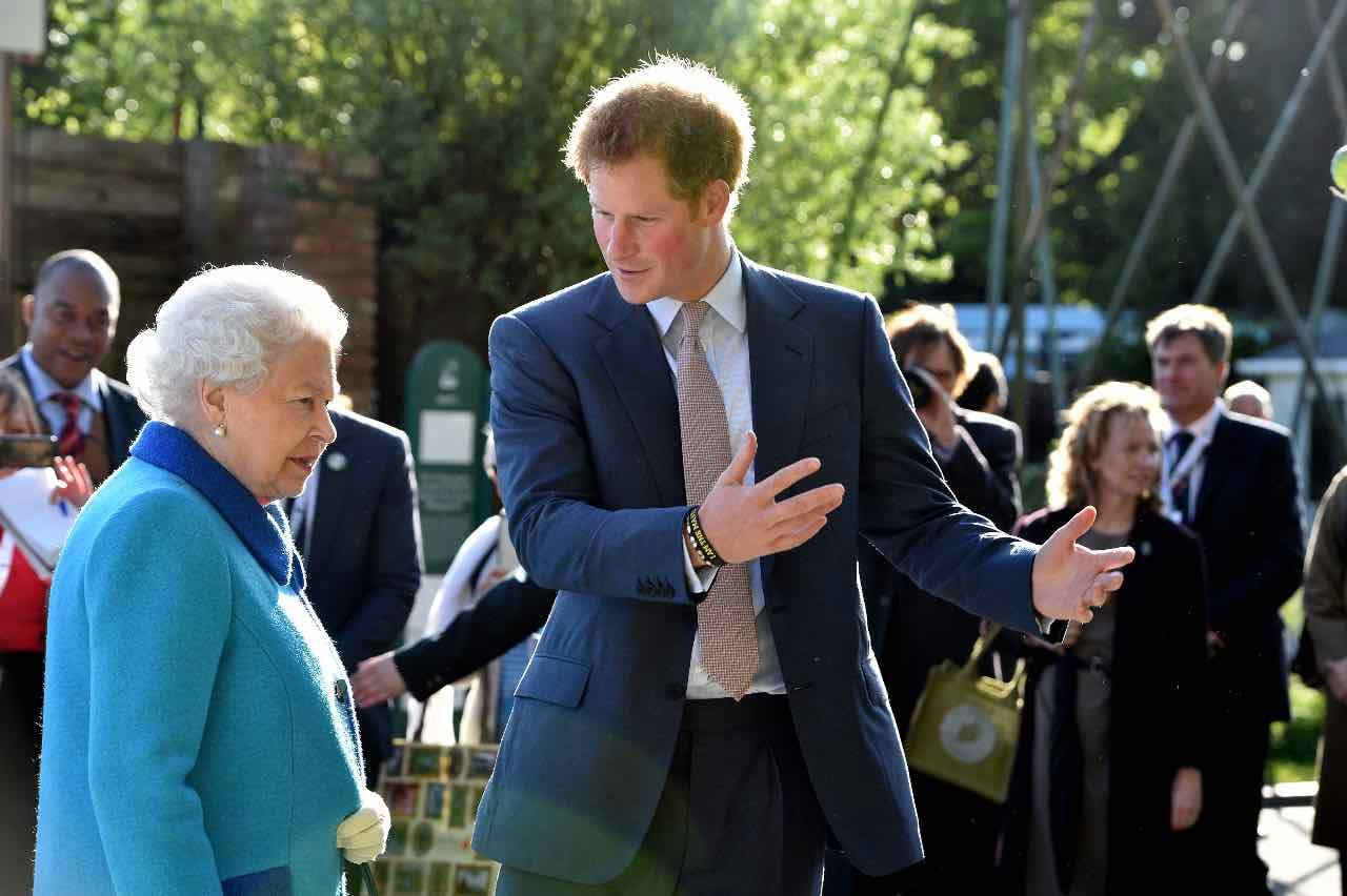 Regina Elisabetta ed Harry