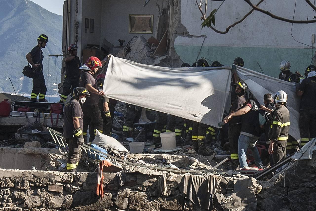 Crollo del palazzo di Rampa Nunziante, avvenuto a Torre Annunziata, Napoli, il 7 luglio 2017 - Getty Images