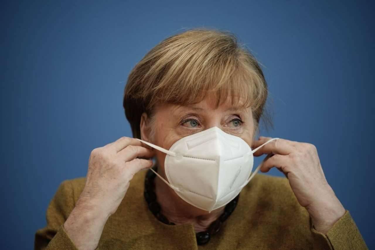 Germania, la cancelliera Merkel propone una proroga del lockdown