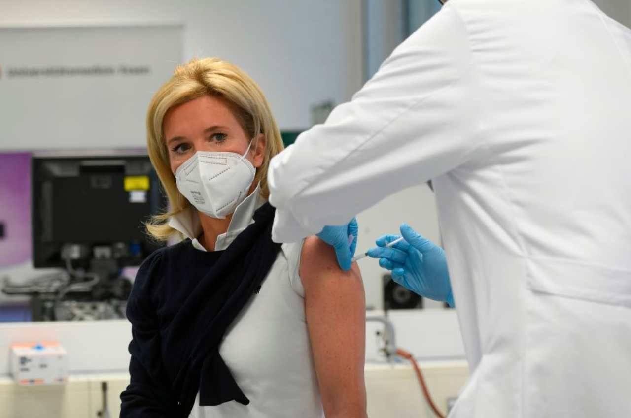 Oms Ue vaccinazioni